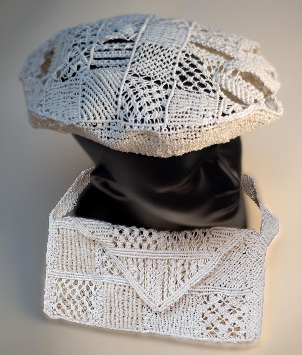 Kabelka s baretem